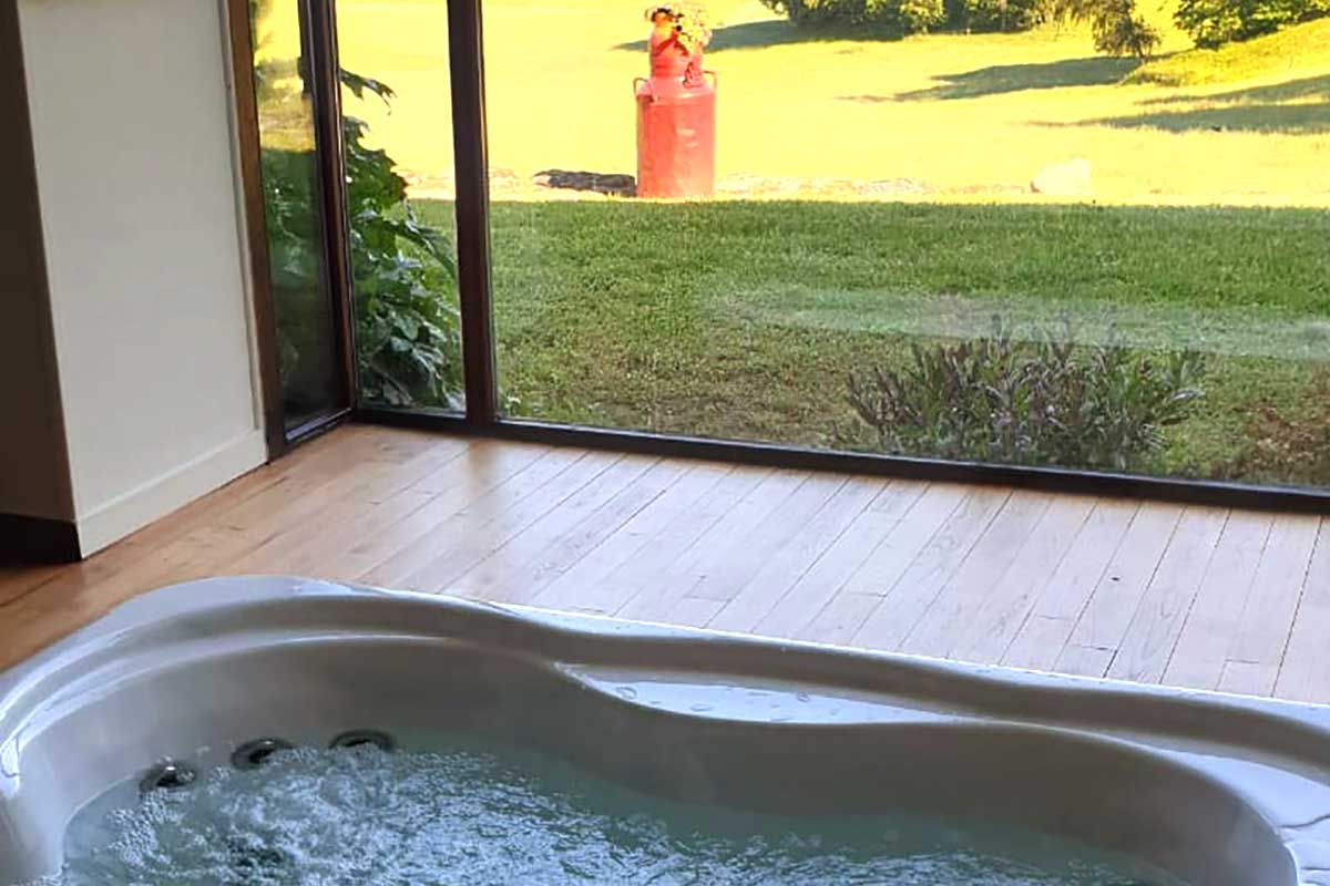 Domaine d'Hypolite, jacuzzi with panoramic view