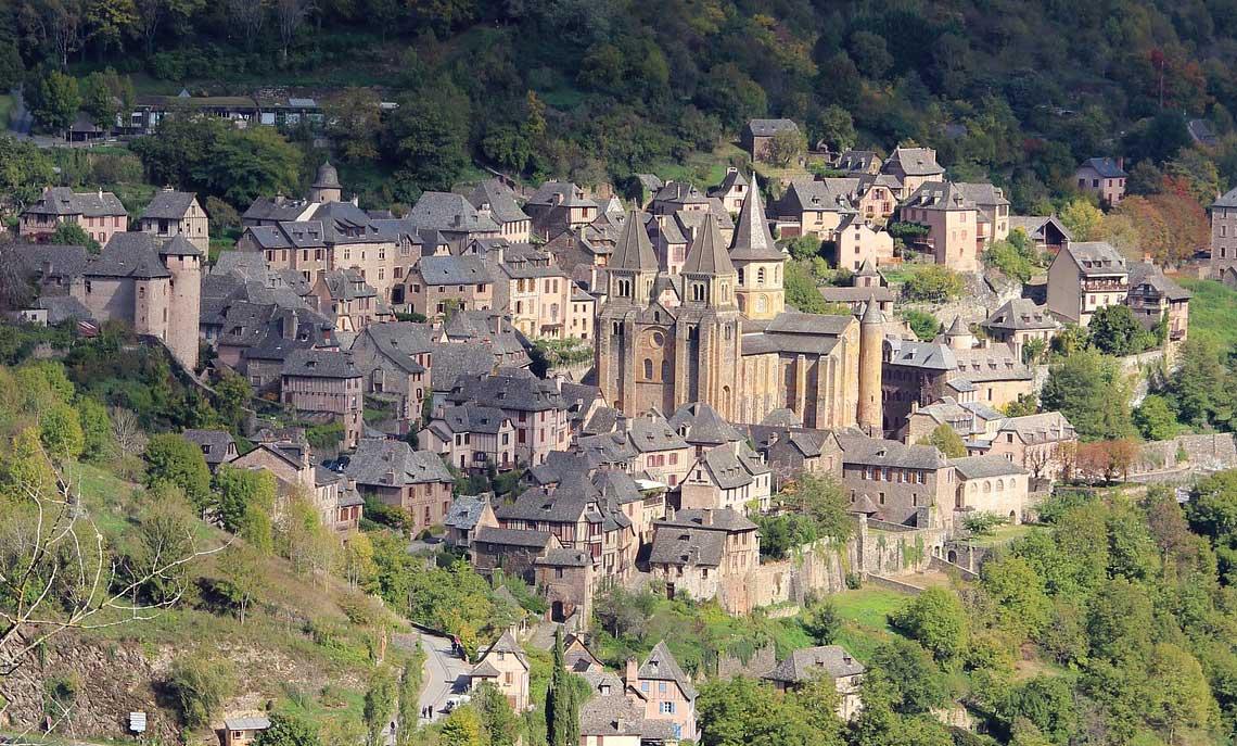 Village médiéval de Conques / Aveyron